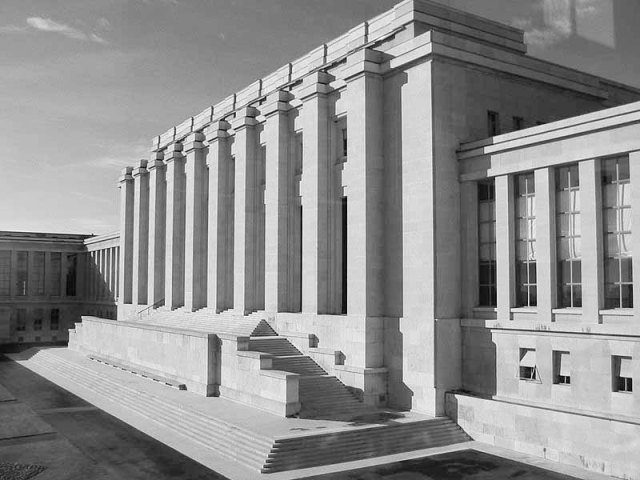 800px-UN_building,_Genevra