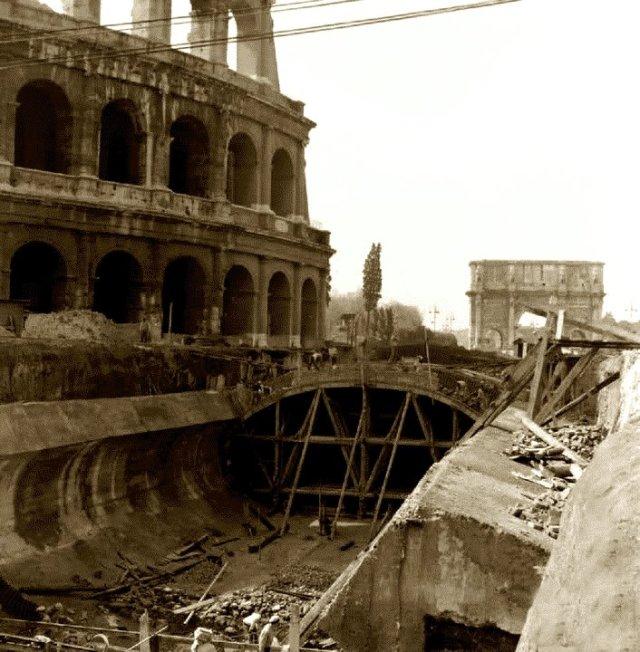 Metro al Colosseo