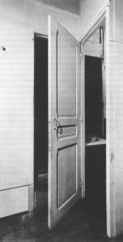 Duchamp_door