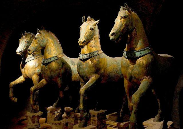 1024px-Horses_of_Basilica_San_Marco_bright