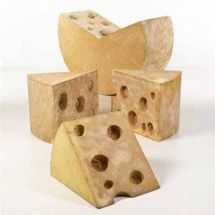 lapo-binazzi-ufo-letto-formaggio,-assises-sculpture